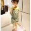 เอี๊ยมขาสั้น จั๊มเอว ติดสตอเบอรี่ตรงอก ลายดอกไม้ สีเขียว ไซด์ 90-100-110-120-130 thumbnail 2