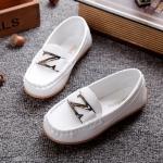 รองเท้าคัทชูเด็กหนัง PU สีขาว ประดับโลหะตัวอักษร Z มี Size 21-36