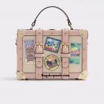 ALDO CALINI กระเป๋าถือหรือสะพายทรงกล่องวางอยู่ทรงสวย
