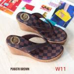 รองเท้าแฟชั่น ส้นเตารีด แบบหนีบ แต่งลายตารางสไตล์ LV สวยเก๋ ทรงสวย ใส่สบาย แมทสวยได้ทุกชุด (PU6078)