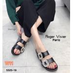 รองเท้าแตะแฟชั่น แต่งเพชรคลิสตัลด้านหน้าสไตล์ roger สวยเรียบหรู พื้นยางนิ่มยืดหยุ่นรับฝ่าเท้า ใส่สบาย แมทสวยได้ทุกชุด (5325-19)