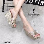 รองเท้าแฟชั่น ส้นเตารีด แบบสวม หนังกลิสเตอร์วิ้ง ด้านหน้าสานสไตล์อีฟแซง ส้นลายริ้วสวยเก๋ ทรงสวย ส้นสูงประมาณ 4.5 นิ้ว เสริมหน้า ใส่สบาย แมทสวยได้ทุกชุด (8980-15)