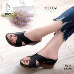รองเท้าแฟชั่น ส้นเตารีด แบบสวม แต่งลายฉลุสวยคลาสสิค ดีไซน์ไขว้หน้าเก็บหน้าเท้า หนังนิ่ม พื้นบุนิ่มสไตล์เพื่อสุขภาพ งานสวย เย็บขอบใส่ทน สูง 3 นิ้ว ใส่สบายแมทสวยได้ทุกชุด (61216)