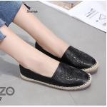 รองเท้าคัทชู ทรง slip on หนังพิมพ์ลายเสือสวยเก๋สไตล์เคนโซ่ แต่งขอบเชือกถักสไตล์วินเทจ หนังนิ่ม ใส่สบาย แมทสวยได้ทุกชุด (388-927)