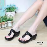 รองเท้าแฟชั่น ส้นเตารีด แบบหนีบ แต่งอะไหล่คริสตัลสวยหรู หนังนิ่ม พื้นนิ่ม งานสวย ใส่สบาย แมทสวยได้ทุกชุด (PU6132)