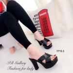 รองเท้าแฟชั่น ส้นสูง แบบสวมสวยเก๋ วัสดุหนังเงานิ่มมาก แบบหน้าไขว้เก็บ หน้าเท้าได้ดี ส้นพียู สูง 4 นิ้ว เสริมหน้า 1 นิ้ว สวมใส่ง่ายสุดๆ สวยคลาสสิค แมทซ์เสื้อผ้าได้ทุกสไตล์ สีดำ ทอง (7715-3)