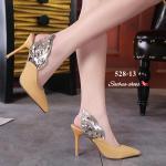 รองเท้าคัทชู ส้นสูง รัดส้น แต่งหนังเงาปีกนกสวยหรูไม่เหมือนใคร หนังนิ่ม ทรงสวย ส้นสูงประมาณ 4 นิ้ว ใส่สบาย แมทสวยเท่ห์ได้ทุกชุด (528-13)