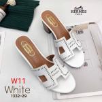 รองเท้าแฟชั่น แบบสวม หน้า H แต่งฉลุลายขอบสไตล์แอร์เมส ทรงสวยเรียบหรูดูดี ส้นลายไม้ สูงประมาณ 2.5 นิ้ว ใส่สบาย แมทสวยได้ทุกชุด (1332-29)