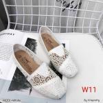 รองเท้าผ้าใบแฟชั่น ทรง slip on สไตล์ TOMs ลายลูกไม้สวยเก๋ ทรงสวย ใส่สบาย แมทสวยได้ทุกชุด (M001)