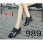 รองเท้าคัทชู ส้นเตี้ย หนังเงาสวยแต่งเชือกผูกหน้าสไตล์ออกฟอร์ตสวยเก๋ ส้นเคลือบของเงาเพิ่มความหรู หนังนิ่ม ส้นสูงประมาณ 2.5 นิ้ว ใส่สบาย แมทสวยได้ทุกชุด (989)