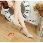 รองเท้าคัทชู ส้นเตี้ย รัดข้อ หนังบุกำมะหยี่สวยหรู แต่งอะไหล่ทองสายรัดข้อ ทรงสวย หนังนิ่ม สูงประมาณ 1.5 นิ้ว ใส่สบาย แมทสวยได้ทุกชุด