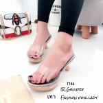 รองเท้าแฟชั่น ส้นสูง แบบสวม พลาสติกซิลิโคนใสนิ่ม ส้นไม้ สวยเก๋ น้ำหนักเบาสูง 2.5 นิ้ว พื้นหนังนวมนิ่ม ดีไซน์ที่ทันสมัย และความเก๋ไก๋ที่สาวๆ สามารถหยิบมาสวมใส่ได้ในทุกๆ วัน ใส่สบาย แมทสวยได้ทุกชุด สี ดำ กรม ทอง เงิน แดง ดำ (T146)