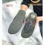 รองเท้าแตะแฟชั่น แบบหนีบ แต่งอะไหล่กลมคลิสตัลสวยหรู พื้นซอฟคอมฟอตนิ่มเพื่อสุขภาพ สไตล์ฟิตฟลอบ ใส่สบาย แมทสวยได้ทุกชุด (AW122)
