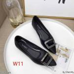 รองเท้าคัทชู ส้นเตี้ย แต่งอะไหล่สวยหรู ทรงสวย หนังนิ่ม ส้นเคลือบเงาสวยเก๋ สูงประมาณ 1 น้ิ้ว ใส่สบาย แมทสวยได้ทุกชุด (K9339)