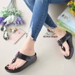 รองเท้าแตะแฟชั่น เพื่อสุขภาพ แต่งอะไหล่คลิสตัลด้านหน้า พื้นคอมฟอตนิ่มสไตล์ฟิต ฟลอบ ใส่สบาย แมทเก๋ได้ทุกชุด (AD460)