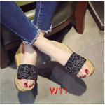 รองเท้าแฟชั่น ส้นเตารีีด แบบสวม แต่งคลิสตัลสวยหรู ทรงสวย หนังนิ่ม ส้นสูงประมาณ 4 นิ้ว เสริมหน้า ใส่สบาย แมทสวยได้ทุกชุด