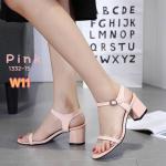 รองเท้าแฟชั่น ส้นสูง รัดส้น แต่งขอบพลาสติกใสนิ่มตัดหนังสวยเก๋ ใส่สบาย ส้นสูงประมาณ 2.5 นิ้ว แมทสวยได้ทุกชุด (1332-15)