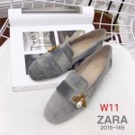 รองเท้าคัทชู ส้นแบน กำมะหยี่แต่งอะไหล่ผึ้งสวยหรู ทรงสวย ใส่สบาย แมทสวยได้ทุกชุด (2015-165)
