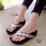รองเท้าแตะแฟชั่น เพื่อสุขภาพ แบบหนีบ แต่งลายสไตล์อิซเซ่สวยเก๋ พื้นคอมฟอตนิ่ม สไตลฟิตฟลอบ ใส่สบาย แมทสวยได้ทุกชุด (L2927)