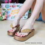 รองเท้าแฟชั่น ส้นมัฟฟิน แบบหนีบ แต่งอะไหล่คริสตัลเพชรใบไม้สวยหรู หนังนิ่ม งานสวย ใส่สบาย แมทสวยได้ทุกชุด (JK8047)