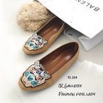 รองเท้าคัทชู ส้นแบน หนังกลับงานคุณภาพ ปัก logo หน้าเสือ สไตล์เคนโซ่สวยเก๋ ส้นหนา 1 ซม. หนังนิ่ม ใส่สบาย สีดำ เทา แดง แทน แมทสวยได้ทุกชุด (Tg264)