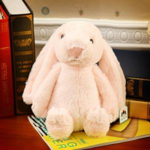 ตุ๊กตากระต่ายสีชมพู