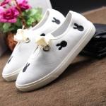 รองเท้าผ้าใบแฟชั่น แต่งลายมิกกี้ ผูกโบว์ด้านหน้าสวยเรียบเก๋สไตล์เกาหลี วัสดุอย่างดี ทรงสวย ใส่สบาย แมทสวยเท่ห์ได้ทุกชุด