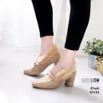 รองเท้าคัทชู ส้นสูง หนังสักหราดแต่งอะไหล่ทองสวยหรูสไตล์กุชชี่ สุดเก๋ด้วยแต่งขอบขนเฟอร์ฟูนุ่มหรูดูดี หนังนิ่ม บุด้านในนุ่ม พื้นนิ่ม งานสวย สูง 3 นิ้ว ใส่สบาย แมทสวยได้ทุกชุด (10144)