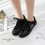รองเท้าผ้าใบแฟชั่น งานนำเข้า STYLE COMME จับแมทกับชุดอะไรก็เกร๋ก็น่ารัก ใส่นิ่มสบาย ใส่เดินชิวๆ แถมใส่ได้เรื่อยๆ สูง 1 นิ้ว สีขาว ดำ แมทสวยได้ทุกชุด (K512)
