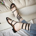 รองเท้าแตะแฟชั่น แบบพันข้อ งานนำเข้า วัสดุหนังกลับไขว์ ใส่ลำลองวันสบายแมทได้หลากสไตล์ สวยเก๋ไม่เหมือนใคร