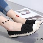 รองเท้าผ้าใบแฟชั่น คัทชู ทรง slip on แต่ง CC ด้านหน้าสไตล์ชาแนล (ตัดเป็นตัว C ได้) รอบส้นเชือกถักสไตล์วินเทจ สวยเก๋ห์ ทรงสวย ใส่สบาย แมทสวยเท่ห์ได้ทุกชุด (17-9242)