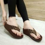 รองเท้าแตะแฟชั่น แบบหนีบ แต่งลายเสือสุดเก๋ พื้นซอฟคอมฟอตนิ่มเพื่อสุขภาพ สไตล์ฟิตฟลอบ ใส่สบาย แมทสวยได้ทุกชุด (TE418)
