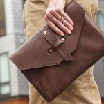 6 วิธี เปลี่ยนกระเป๋าธรรมดา ๆ ให้ดูแพง
