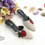 รองเท้าคัทชู เปิดส้น แต่งดอกกุหลาบปักสวยหรู ทรงสวย ใส่สบาย แมทสวยได้ทุกชุด (R-069)