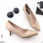 รองเท้าคัทชู ส้นเตี้ย ทรงหัวแหลม แต่ง V ด้านหน้าเรียบหรู ทรงสวย หนังนิ่ม ส้นสูงประมาณ 2 นิ้ว ใส่สบาย แมทสวยได้ทุกชุด (K9191)