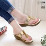 รองเท้าแฟชั่น ส้นเตารีด แบบหนีบ แต่งคริสตัลสวยหรู หนังนิ่ม พื้นนิ่ม งานสวย ใส่สบาย สูง 2.5 นิ้ว แมทสวยได้ทุกชุด (6132)
