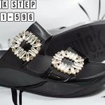 รองเท้าแตะแฟชั่น แบบสวม คาด 2 ตอน แต่งเพชรคลิสตัลสวยหรูสไตล์แบรนด์ พื้นซอฟคอมฟอตนิ่มสไตล์ฟิตฟลอบ ใส่สบายมาก แมทสวยได้ทุกชุด (6651-599)