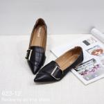 รองเท้าคัทชู ส้นแบน ปลายแหลม แต่งอะไหล่เก๋ด้านหน้า ทรงสวย หนังนิ่ม พื้นบุนวมนุ่ม สวมใส่สบาย สีครีม ดำ กากี แมทสวยได้ทุกชุด (623-12)