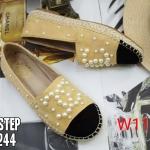 รองเท้าคัทชู ทรง slip on แต่งมุก CC สไตล์ชาแนลสวยเก๋ หนังนิ่ม ใส่สบาย แมทสวยได้ทุกชุด (319-1244)