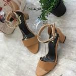 รองเท้าแฟชั่น แบบสวม รัดข้อ สายรัดแต่งอะไหล่ทองสวยเรียบหรู ส้นตัดสูงประมาณ 2.5 นิ้ว ใส่สบาย แมทสวยได้ทุกชุด (M225)