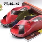 รองเท้าแฟชั่น ส้นเตารีด แบบสวม หน้าไขว้สีทูโทนแต่งอะไหล่จรเข้สวยเก๋ หนังนิ่ม ใส่สบาย แมทสวยได้ทุกชุด