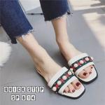 รองเท้าแตะแฟชั่น แบบสวม แต่งมุกลายสไตลืกุชชี่สวยเก๋ ใส่สบาย แมทสวยได้ทุกชุด (SP614)