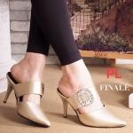 รองเท้าคัทชู เปิดส้น ส้นสูง แต่งอะไหล่เพชรคลิสตัลสไตล์แบรนด์ roger ส้นสูงประมาณ 3 นิ้ว แมทสวยได้ทุกชุด