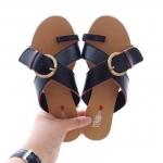 รองเท้าแตะแฟชั่น แบบสวม หน้าไขว้แต่งเข็มขัดสวยเรียบเก๋สไตล์แบรนด์ หนังนิ่ม ทรงสวย ใส่สบาย แมทสวยได้ทุกชุด (SS08)