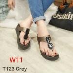 รองเท้าแตะแฟชั่น แบบหนีบ แต่งคลิสตัลสวยหรู พื้นซอฟคอมฟอตนิ่มเพื่อสุขภาพสไตล์ฟิตฟลอบ ใส่สบาย แมทสวยได้ทุกชุด (T123)