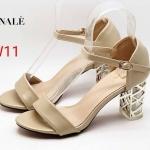 รองเท้าแฟชั่น ส้นสูง รัดส้น ดีไซน์ส้นใสแต่งอะไหล่ตารางเคลือบเงาเพิ่มความหรูไม่เหมือนใคร หนังนิ่ม ส้นสูงประมาณ 3 นิ้ว ใส่สบาย แมทสวยได้ทุกชุด