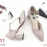 รองเท้าคัทชู รัดส้น แต่งอะไหล่ทองด้านหน้าสวยหรู ทรงสวย ส้นแต่งขอบทอง สูงประมาณ 2.5 นิ้ว ใส่สบาย แมทสวยได้ทุกชุด (K9205)