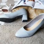 รองเท้าคัทชู ส้นเตี้ย หนังสวย ทรงเรียบเก๋ คุณภาพดี มีเสริมฟองน้ำกันกัดด้านหลัง ส้นหนาไม่สูงมาก ประมาณ 2 นิ้ว หนังนิ่ม ทรงสวย ใส่สบาย ใส่ทำงาน ใส่เที่ยว ได้ทุกโอกาส แมทสวยได้ทุกชุด (c27-056)