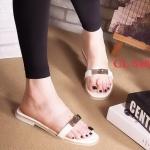 รองเท้าแตะแฟชั่น แบบสวม คาดหน้าพลาสติกใสนิ่มคาดหนังแต่งอะไหล่สวยเก๋สไตล์แอร์เมส พื้นปั๊มแบรนด์ ใส่สบาย แมทสวยได้ทุกชุด