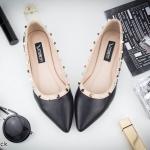 รองเท้าคัทชู ส้นแบน แต่งหมุดหลากสีที่ขอบสวยหรูสไตล์วาเลนติโน ใส่สบาย ทรงสวย แมทสวยได้ทุกชุด (K9100)